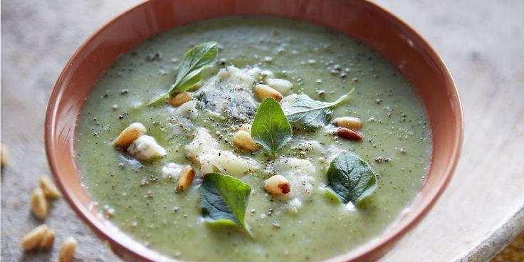 Boodschappen - Broccoli-velouté met blauwe kaas en pijnboompitten