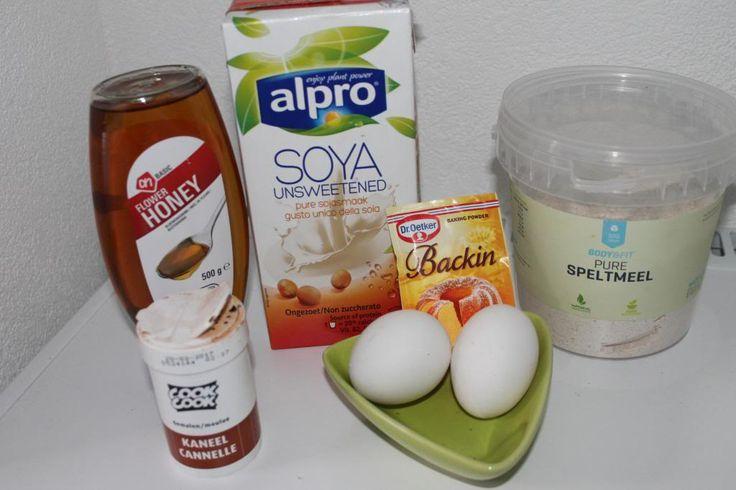 Healthy lifestyle : Recept voor gezonde wafels suikervrij van speltmeel, amandelmelk, kaneel en lekker fruit erbij. Gezond en lekker!