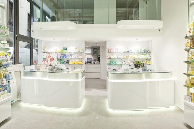 Farmacia Centrale Padova progetto Arch. Riccardo Montesello