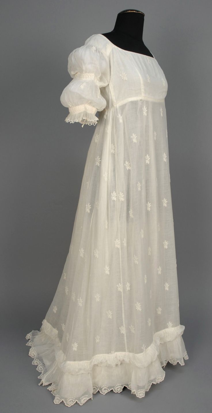 Gown: ca. 1799-1810, Bengali muslin with allover sprigged Broderie Anglaise, cotton bodice lining.
