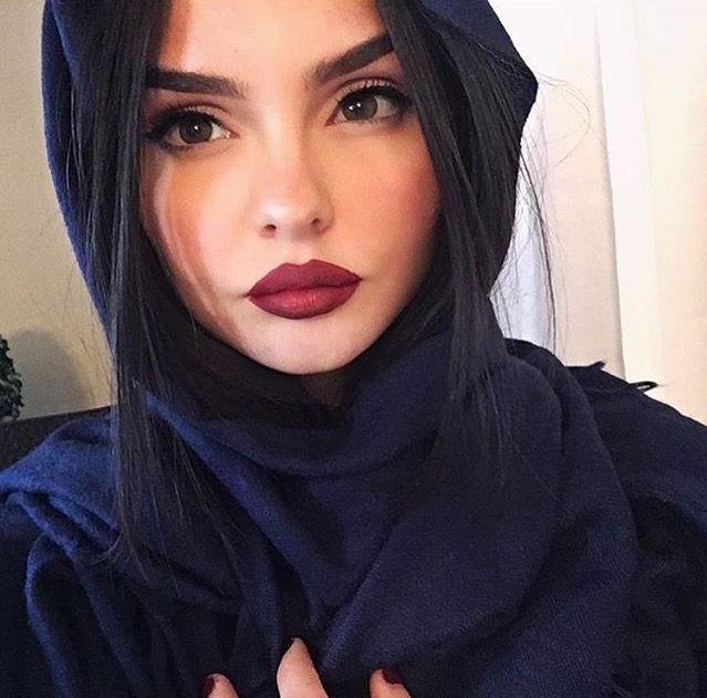 A chechen hijabi woman masturbating in webcam - 2 3