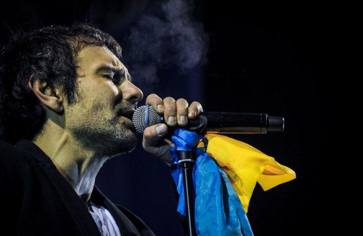Svyatoslav Vakarchuk - vocalist of the band Okean Elzy  at #Euromaidan