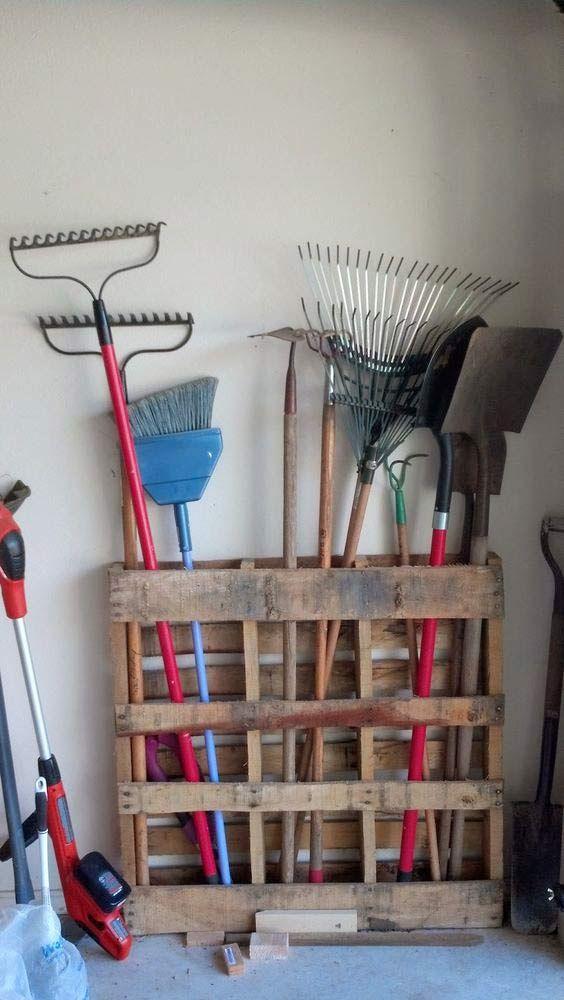 garage-lastpall_+andra förvaringar i garaget                                                                                                                                                                                 More