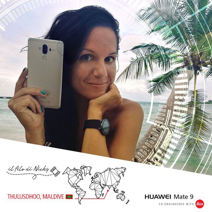 #1: Il Filo di Nicky – Lo squalo delle Maldive! Riuscireste a fare il giro del mondo appoggiandovi solo ai vostri contatti Facebook e alle loro connessioni? La nostra inviata speciale Nicoletta Crisponi è arrivata alle Maldive e ci regala queste splendide immagini… quanto ci piacerebbe essere lì con lei! Nella sua valigia, come sempre, i suoi inseparabili compagni di viaggio #HuaweiMate9, #HuaweiMateBook e #HuaweiFit!