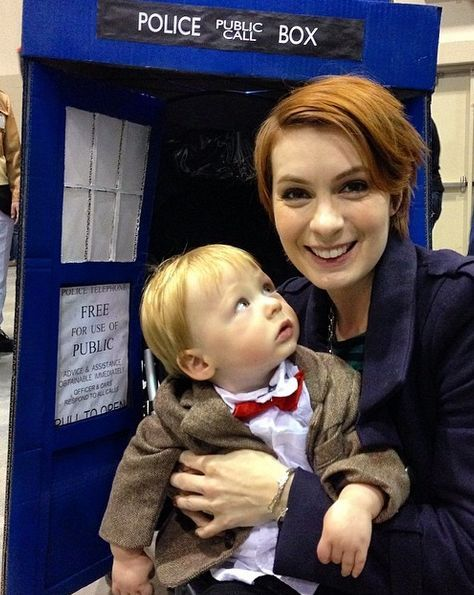 Felicia Day with her daughter