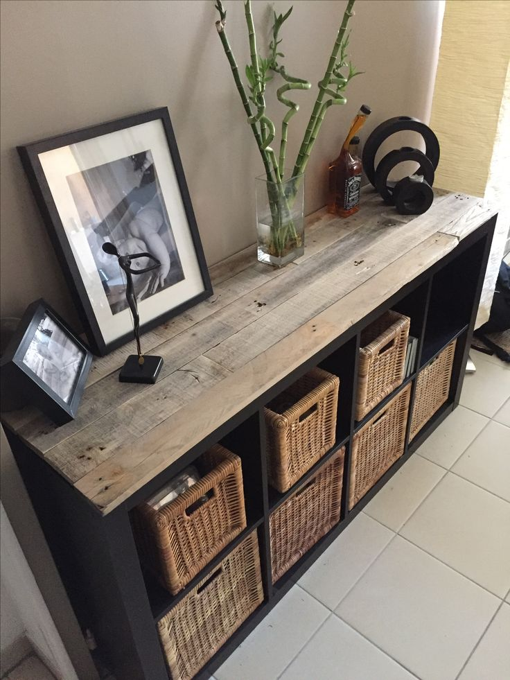 Best 25 ikea kallax hack ideas on pinterest kallax hack for Meuble en bois de palette