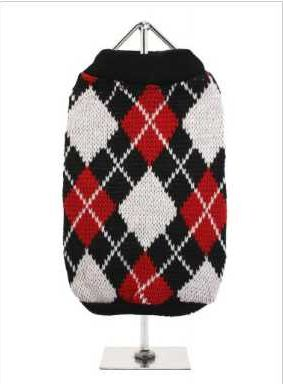 Knitted black sweater with a red and white diamond pattern. The Argyle pattern has seen a resurgence in popularity in the last few years due to its adoption by Stuart Stockdale in collections produced by luxury clothing manufacturer, Pringle of Scotland. The rich Scottish heritage will give your pup a touch of class while keeping warm!