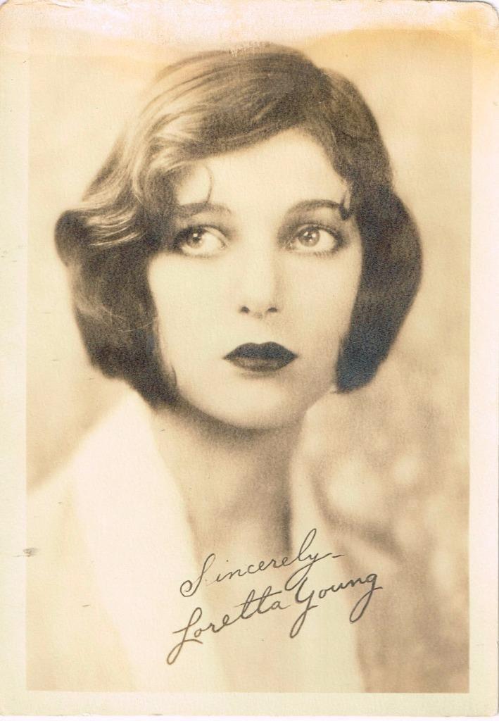 seduing-videos-loretta-loren-blacklight-beauty