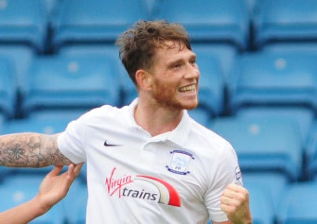 Goal ace Joe Garner says that he wants to stay at Preston North End.