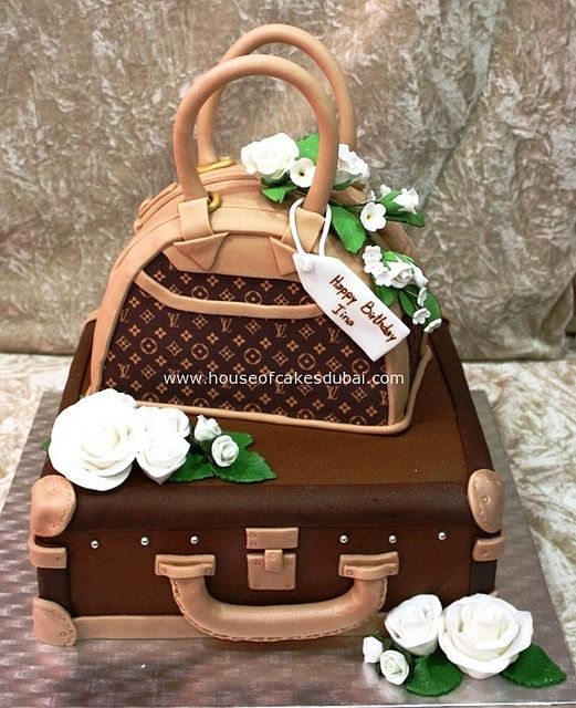 Louis Vuitton Cake. It's the ultimate cake for a fashion LOVER, my granddaughter will flip when she sees this TFS.
