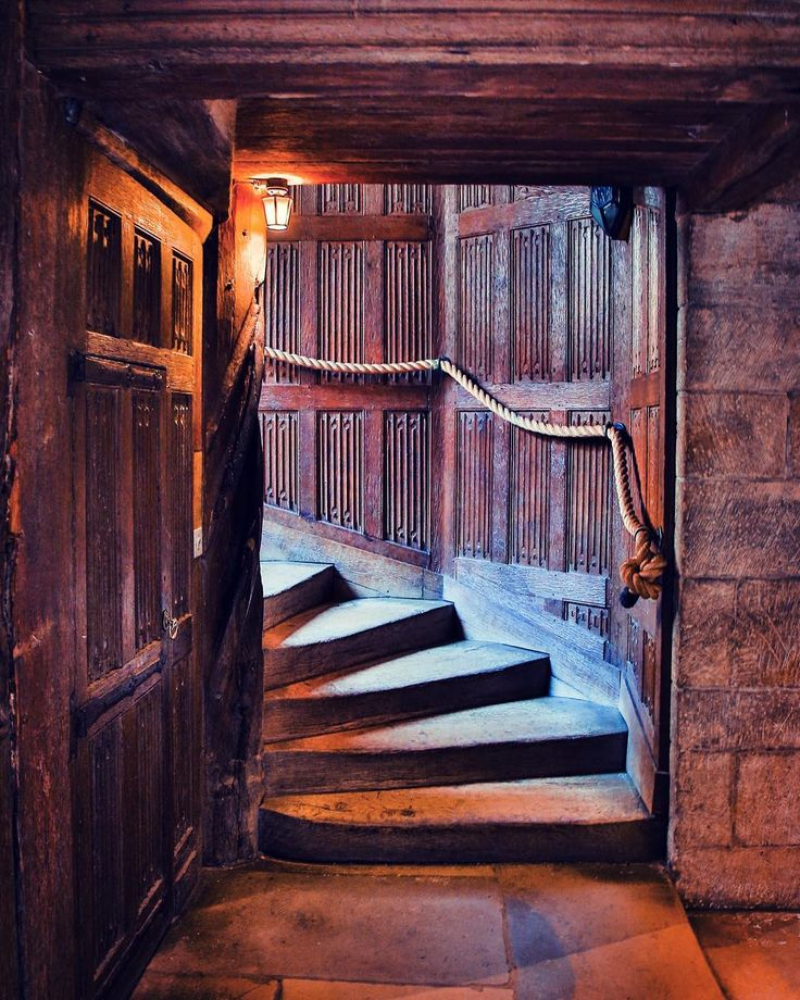I absolutly love this shot! This is the inside of #leedscastle . I visited here a few months back with @england.experience #51countriesandcounting #england #britain #canterbury #kentstate #dover #doors #architecture #painting #photography #abstractart #travel #travels #travelblog #travelphotography #travelbug #traveling #exploretocreate #canvas #instadaily #instagram #bbctravel #natgeotravel #canon #canonphotography #canon5dmarkiii