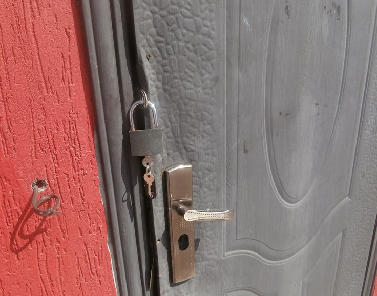 """Экспертиза установки наружных металлических и межкомнатных (внутренних) дверей. Независимое экспертное заключение НЭЦ """"КРДэксперт"""", отражающее истинное состояние установленных (или купленных, но ещё не установленных) дверей, имеет юридическую силу и может использоваться для урегулирования разногласий сторон в досудебном порядке или представляться в суд, если между сторонами не достигнуто согласие."""