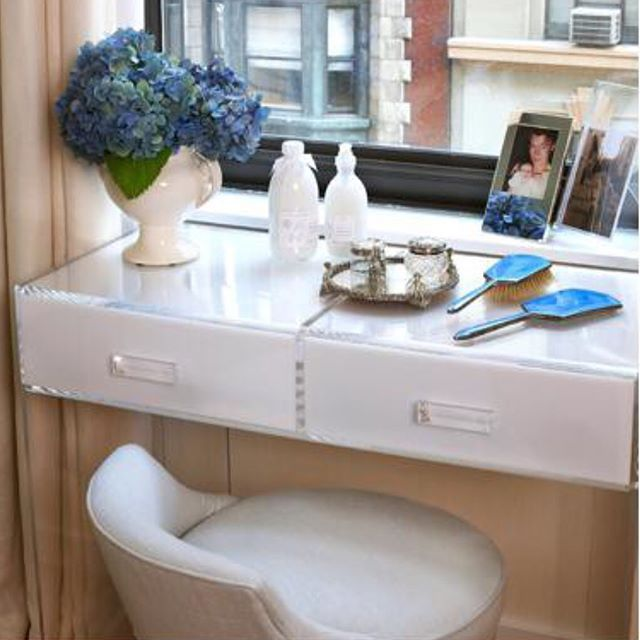 Our custom acrylic vanity with crystal-clear legs and pulls is not only clean and luxurious, but it fits in any space.  It can be your choice of length, depth and height, and we can handcraft one, two or three drawers.  A mirror top provides a perfect finish. Simply stunning. Swipe for full piece photo.  Image by @robynkarpdesign.  For over 50 years, handcrafted by our artisans in NYC, USA 💎💎💎🗽🗽🗽🇺🇸🇺🇸🇺🇸. Stop by our showroom.  Designers can register on our web site for designer…