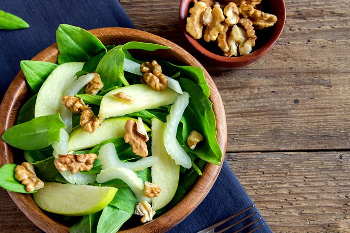The 10-Day Tummy Tox Walnut Spinach Salad: This salad recipe serves up some serious crunch.