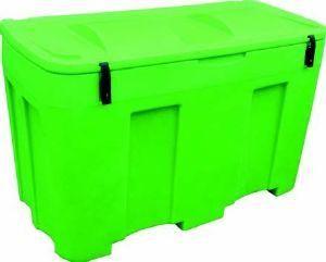 COFFRE DE RANGEMENT MULTI-USAGESCode : l-envCBS400VE Idéal pour un stockage à l'intérieur ou en extérieur de sable, de sel, d'équipements chimiques ou des absorbants. Stockage d'appareil respiratoire, de tuyau d'incendie, couverture de survie, cadenassable, sangle De couleur Noire en standard, jaune ou vert en option Dimensions : Longueur : 1200 mm Largeur : 600 mm Hauteur : 790 mm Poids : 18 Kg Capacité: 400 Litres