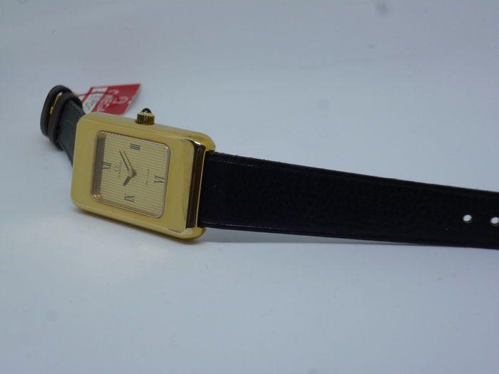 Omega De Ville Tank - mannen mechanische Vintage - 1980  Omega mannen lederen horloge vintage jaar 1980Swiss MadeDetails beschreven op de achterkant van het GLB:Ω Omega horloge coFab.SuisseLunettePlaque of G 20 micronDol op Acier Inoxydable511.0474Machine: Omega Swiss - Ω 625 / 39 305941 - niet-gecorrigeerde - zeventien 17 juwelenNieuwe oude voorraad nooit gedragen werkt perfect gecontroleerd uit onze service-lab.Aan de achterzijde om 6o uur markeert waar is de positie waar het GLB wordt…