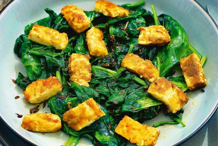 Kijk wat een lekker recept ik heb gevonden op Allerhande! Pascale Naessens' halloumi met curry en komijnspinazie