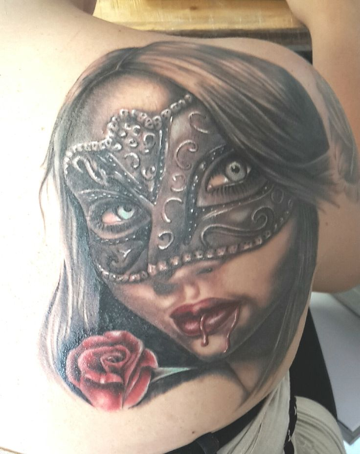www.valestattoo.com #tattoo #valestattoo #tatuaggio #donnavampiero #maschera #vampirewoman #donna #woman #sangue #rosa #rose #tattoolife #tattootime #tattooart #tattooartist #tattooartistitaly #tattooitaly #tattoomadeinitaly #tattooshop #tattooblog #tattoostudio #tattoostudioitaly #pantherablackink #pantherainktattoo #eternalink #eternalcolor #eternal #tattooidea #tattoodesign #tattoooftheday #tattootheworld #skin