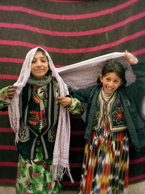 zaboni-modari: Relatives of the groom, at the bride's house in Khandud, Afghanistan. Wedding celebration of Dodé Khuda. Wakhi wedding ceremonies usually take place in the winter months. (x)