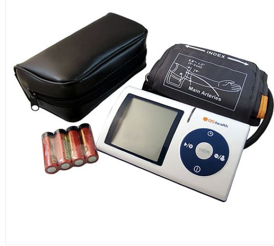New LCD Screen Digital Memory Blood Pressure Monitor & Heart Beat Meter