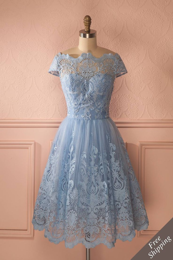 Robe tulle bleu clair brillant dentelle manches courtes - Glittery light blue lace tulle short sleeved dress