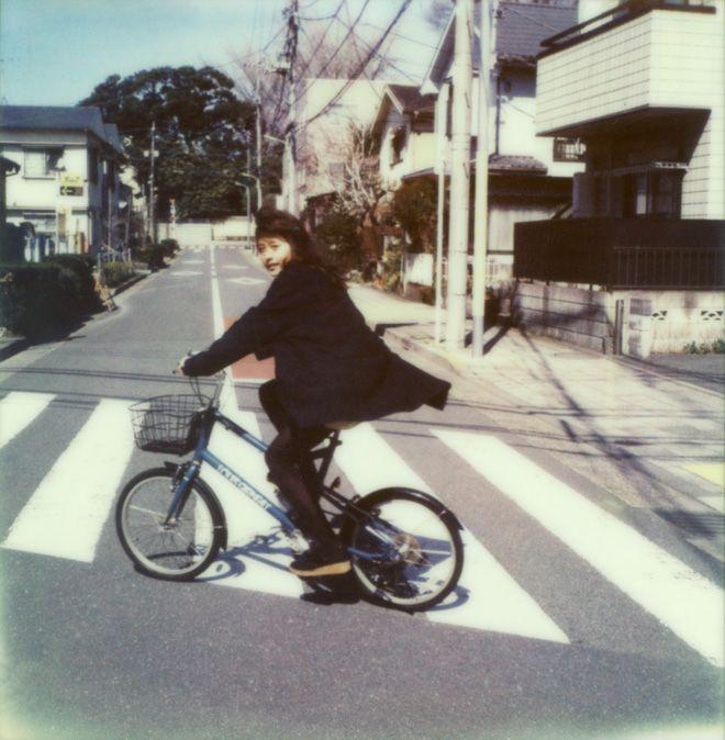 画像: 1/10【奥山由之、有村架純や小松菜奈ら35人の女優を撮影したポラロイド写真を公開】