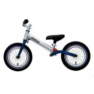 Kokua LikeaBike jumper (темно-синий)  — 13900р. ---------------- Беговел Kokua LikeaBike jumper (темно-синий) предназначен для обучения катанию на двухколесном велосипеде  Особенности беговела Kokua LikeaBike jumper: - высокопрочная алюминиевая рама (Al 7005) из овальной трубы; - алюминиевая вилка с подшипниками на рулевой колонке Ahead; - алюминиевые втулки и обода; - стальные велосипедные спицы; - две алюминиевые опоры седла для регулировки высоты; - съемное запатентованное…
