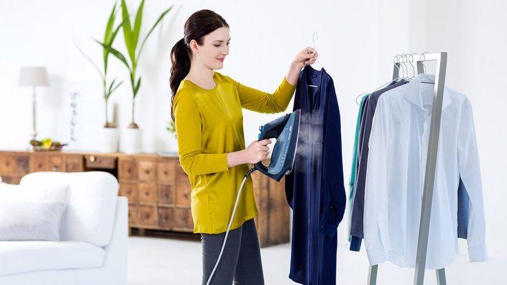 Horké letní dny přímo volají po lehkém oblečení z kvalitních jemných materiálů. Díky takovým kouskům v šatníku se budete cítit výjimečná i ve třicetistupňových vedrech. Aby vám ale sloužily co nejdéle, musíte se o ně správně starat.