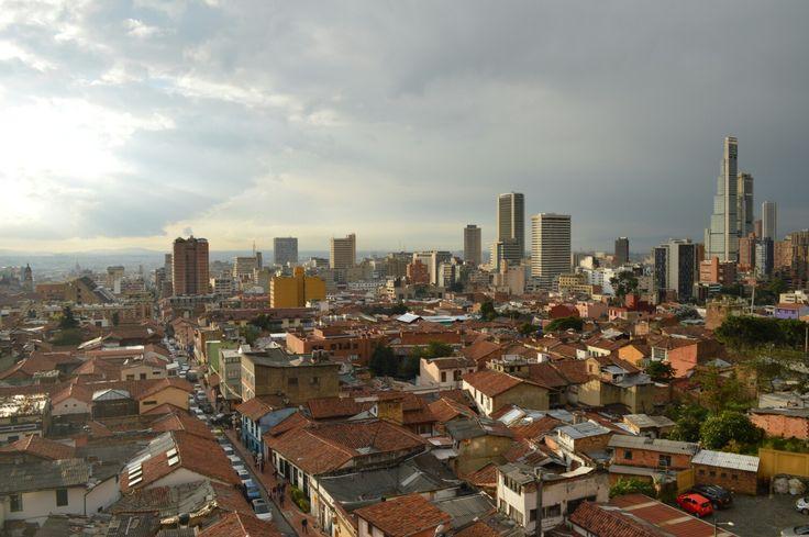 B.D. Bacatá- El edificio más alto del país  Visita: www.encontrastelacandelaria.com  #EncontrasteLaCandelaria #Bogotá #Colombia #Candelaria  Fotografía tomada por: Lorena Correa.
