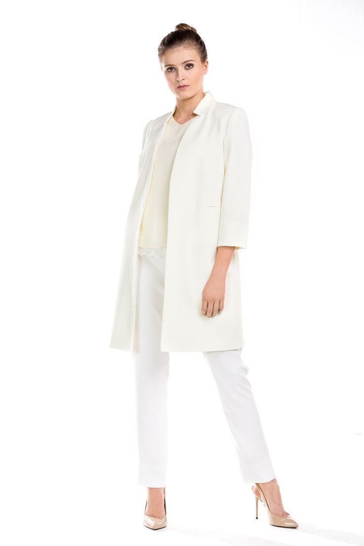 Kremowy total look. Creamy colour total look.