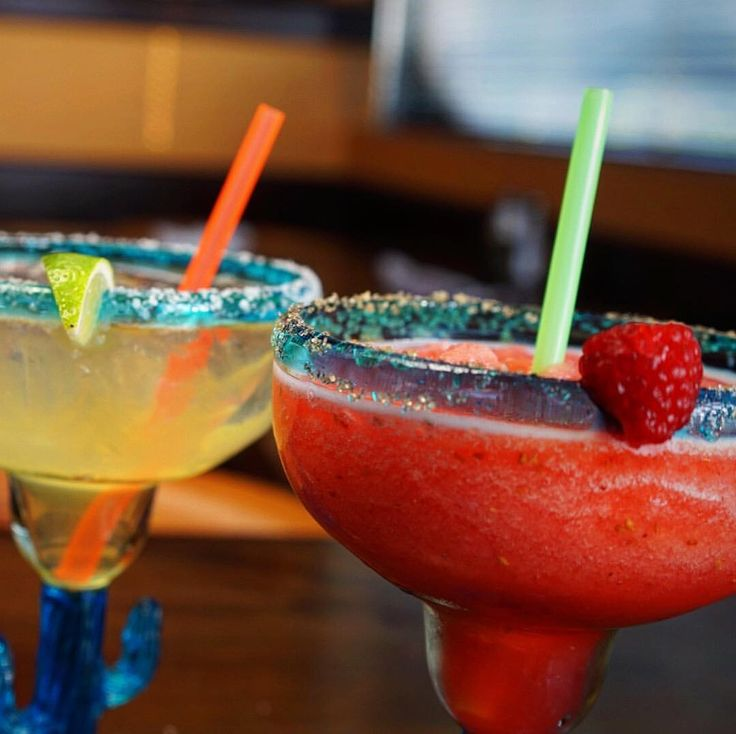What is the plan ladies? If you are still thinking about what to do on a Thursday afternoon, come with your girlfriends to spent a great time at La Corona! Margaritas are only $4.99* every Thursday from 3 pm onwards! ☀️🍹 *Only the house margarita, strawberry and raspberry margaritas.