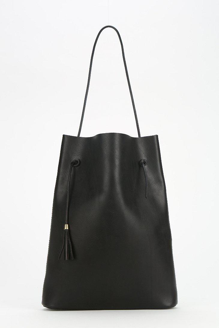 Deena & Ozzy Jett Minimalist Tote Bag #urbanoutfitters