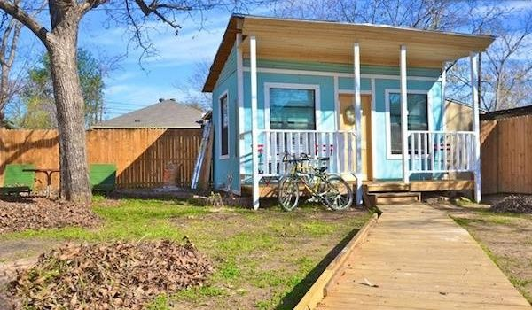 Magnificent Tiny Houses For Rent Austin Tx With Bright Wall Colors And Home Interior And Landscaping Pimpapssignezvosmurscom