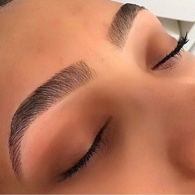 if someone did my eyebrows like this I would trust them with my life