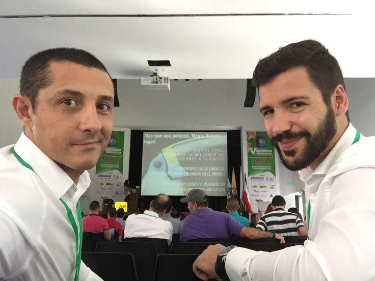 Con Paco Lorente en la previa del V Congreso Internacional Mercadeo sobre Marketing Territorial celebrado en Institución Universitaria Esumer Medellin
