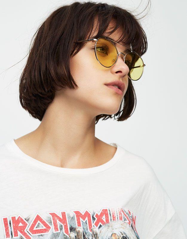 :Aviator sunglasses with yellow mirror lenses