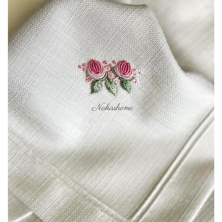 ................ #brazilianembroidery #embroidery #ribbon #ribbonembroidery #brezilyanakisi #nakış #çeyiz #rokoko #rokokonakışı #photo #phototheday #pink #rose #crosstitch #stitch #handmade #handmadeembroidery #monogram #masaörtüsü #servistakımı #yemektakimi