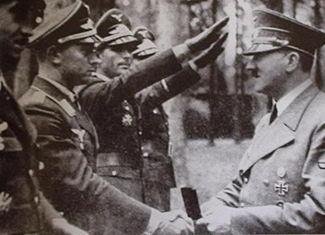 Obstlt. Adolf Galland, Hptm. Walter Oesau, Hptm. Herbert Ihlefeld, Oblt. Siegfried Schnell.JPG