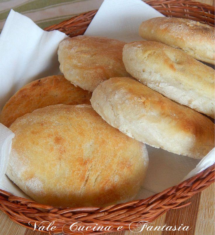 Focaccine di patate e philadelphia,ricetta lievitati soffici e golose focaccine fatte in casa arricchite da patate e philadelphia nell'impasto