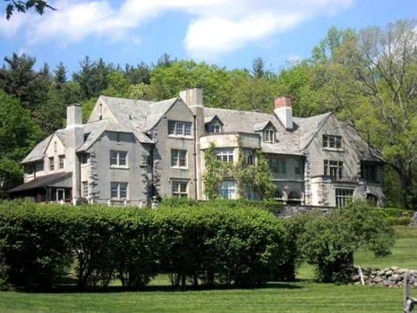Anderson Cooper's new house in Connecticut (1)