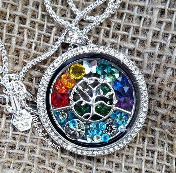 Legacy Living Locket® with the Family Tree window, Gorgeous! http://www.kimschob.origamiowl.com