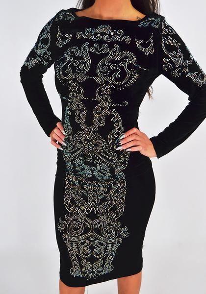 b0928628fbfc ... flot midi kjole med lange ærmer og mønster lavet af sten. Kjolen har en  bred hals udskæring og slids bagpå. Lukkes med lynlås på r…