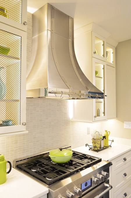 Kitchen Backsplash With White Cabinets Tan Countertops