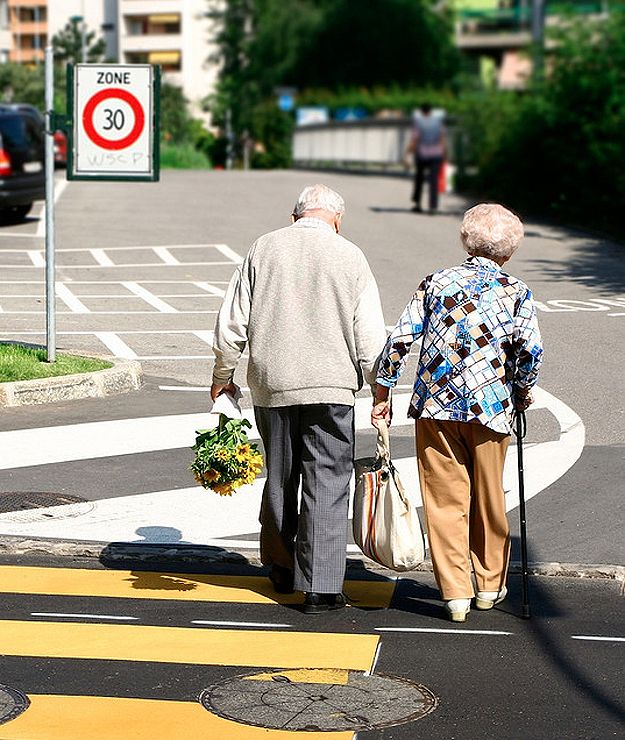 Old and in love- cute site of old lovers <3  I pray this is CP n I in 2042ish ;)
