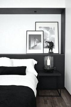 Du noir et du blanc pour une chambre à coucher chic et élégante.
