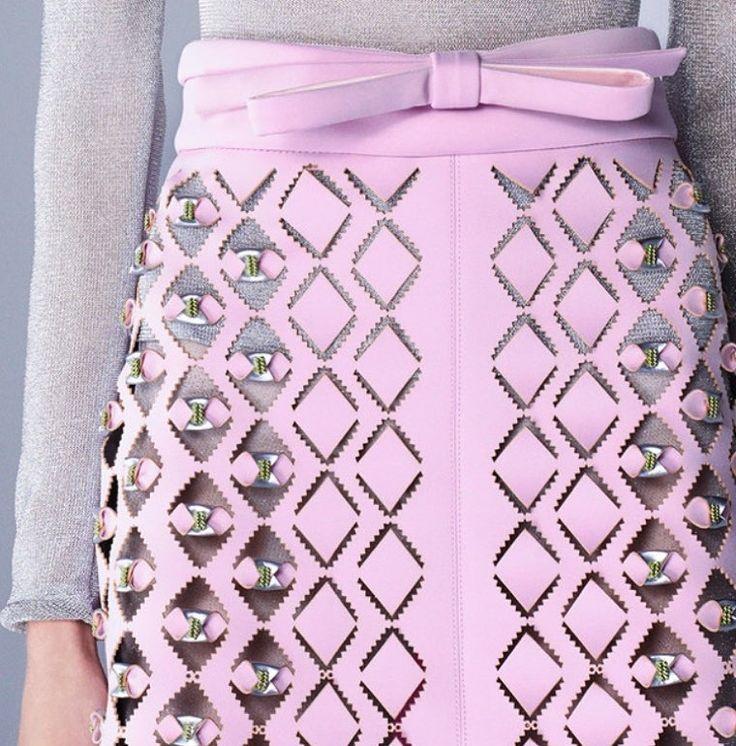 Amazing #lasercut #leather skirt from @marykatrantzou 's #prefall2016  #textilesourcing #apparelsourcing #PV #premiervision #fabricdetails #fabric #paris #textile #apparel #sourcing #surfacedesign #garmentsourcing #productdevelopment #tessuti #wool  #hypebeast #fashionweek #fallwinter #springsummer #texworld #texworld2016 #pf16 #fw16 #milanounica #italianfabric #fabricsourcing #nyc by mtiusa
