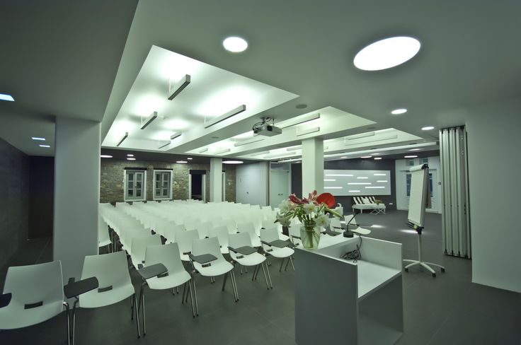 Planning a corporate meeting or event in Mykonos? Showcase your ideas and get the message across in style in the Semeli Hotel conference hall. http://www.semelihotel.gr/conferences/ #Semeli #SemeliHotel #Mykonos #Meetings #Conferences
