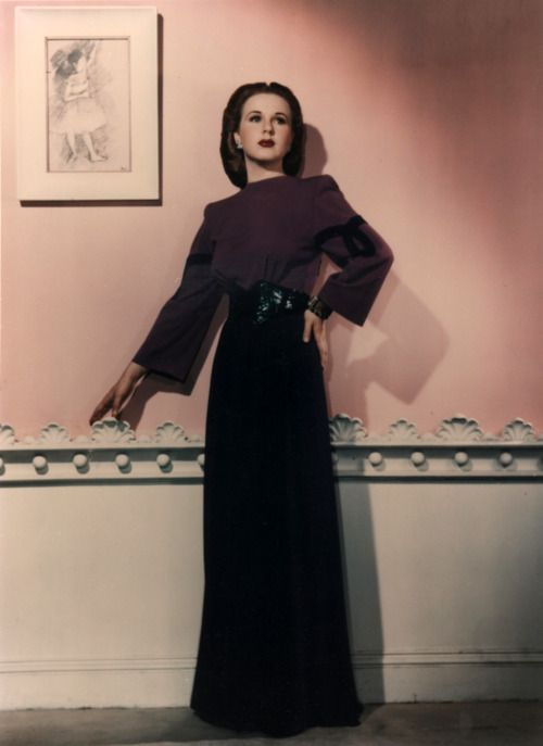 Deanna Durbin (December 4, 1921 - April 28, 2013) Canadian actress and singer (o.a. Three smart girls -1936, and Lady on a train -1945) ).