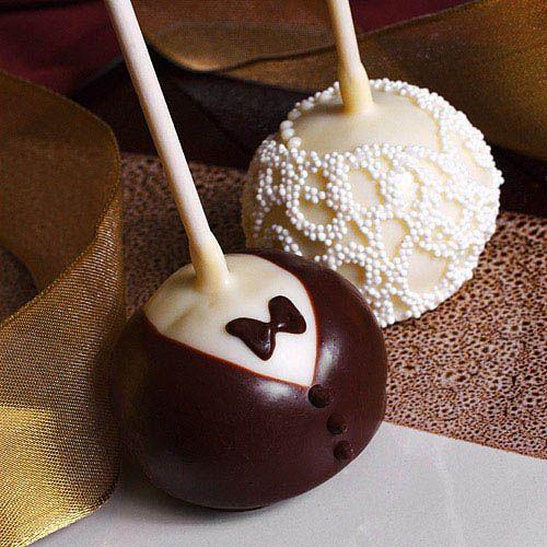 Cake Pops!    http://langhamhuntingtonweddings.com/blog/?p=700