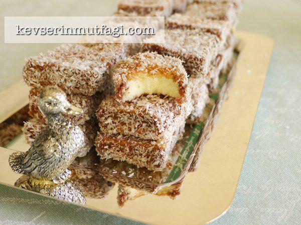 Lamington Kek Tarifi Nasıl Yapılır? Kevserin Mutfağından Resimli Lamington Kek tarifinin püf noktaları, ayrıntılı anlatımı, en kolay ve pratik yapılışı.
